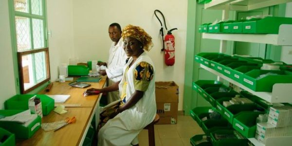2010-2012: Staff in the pharmacy in Pokola