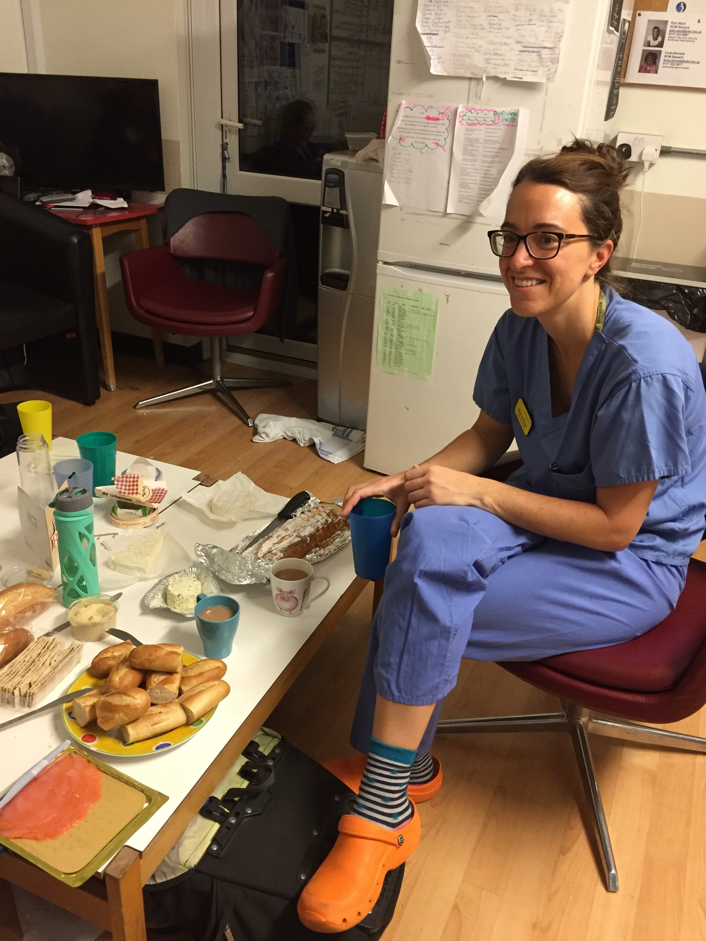 Now: Ellen during a quick snack break in the hospital in Bristol